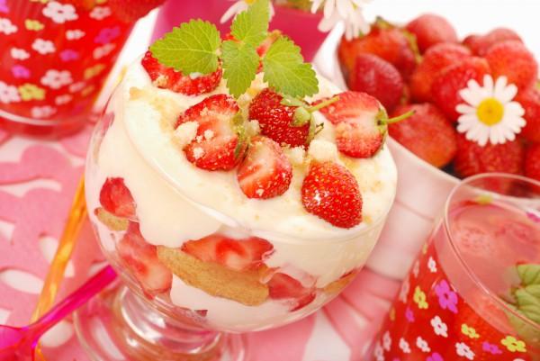 Десерты из клубники - рецепты приготовления