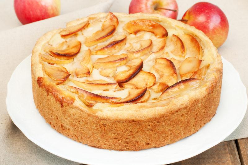 «Правильная» шарлотка из яблок