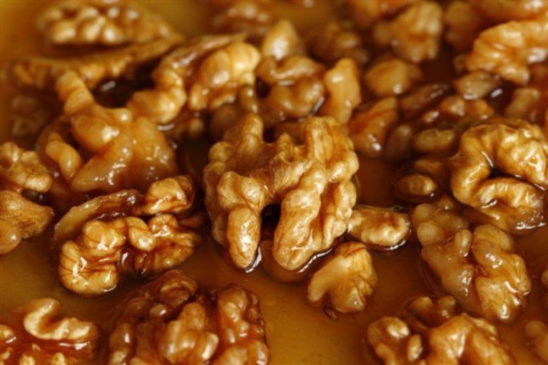 Орехи в меду с сухофруктами