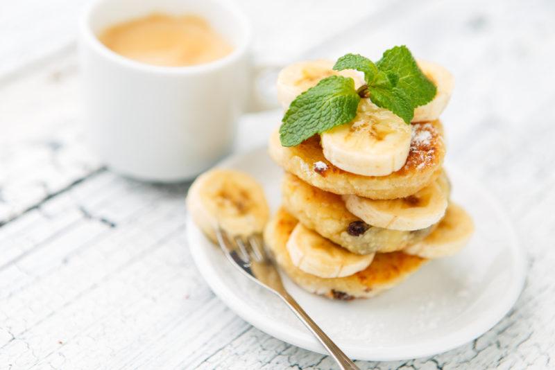 Сырники из творога с бананом