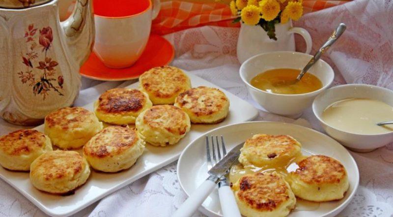 Сырники из творога с курагой и грецкими орехами