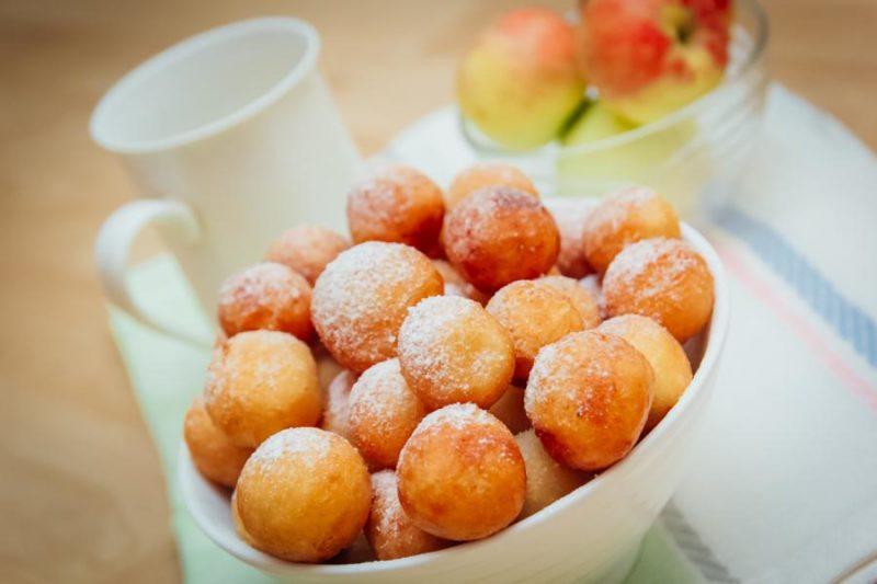Творожные пончики в мультиварке с манкой