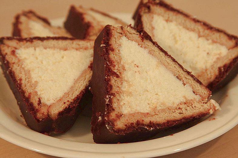 Торт из творога и печенья «Домик»