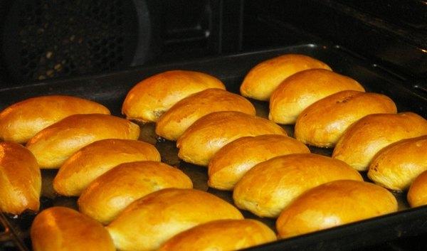 рецепт пирожки с фаршем в духовке