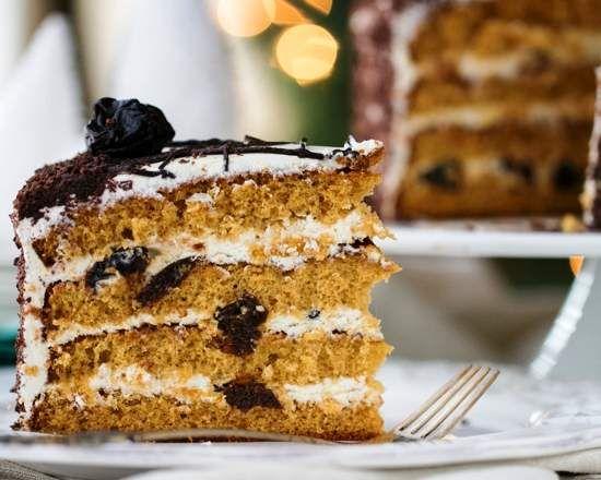 Торт медовый с черносливом — «Царский»