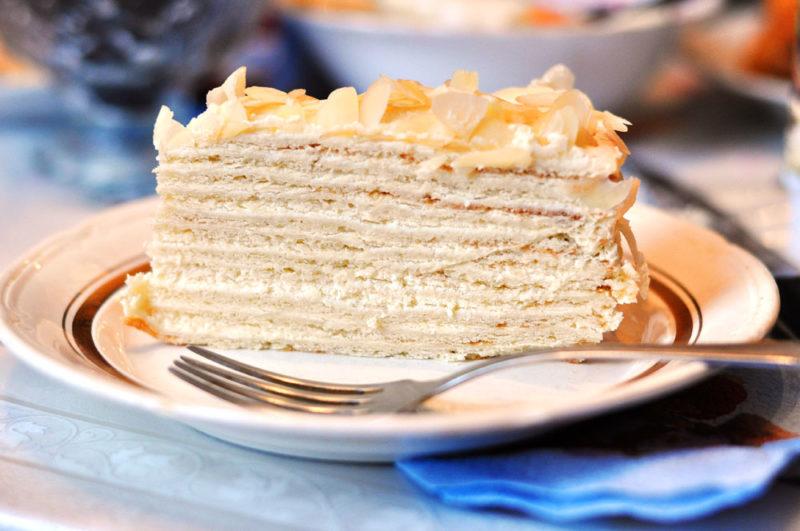 Быстрый и простой торт «Сметанник» в микроволновке