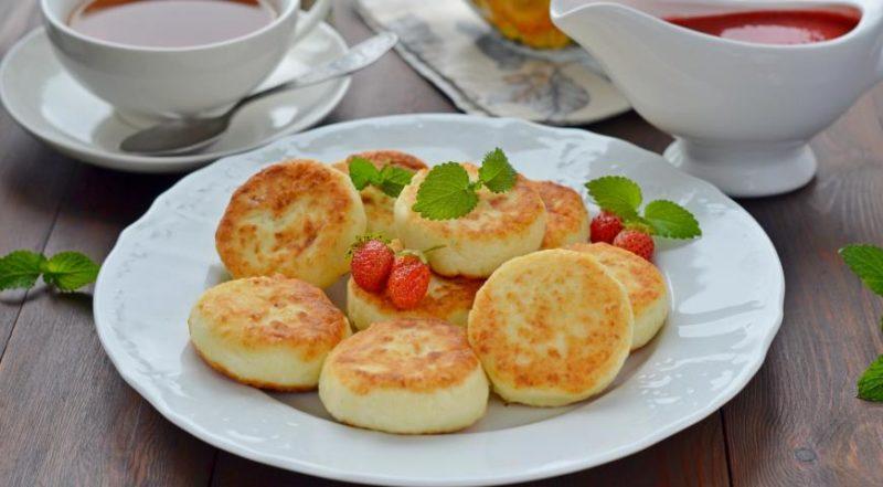 Как приготовить сырники из творога — простой рецепт