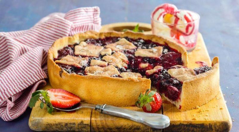 Пирог с замороженными ягодами