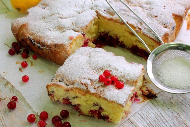 Рецепт пирога из слоеного теста с замороженными ягодами