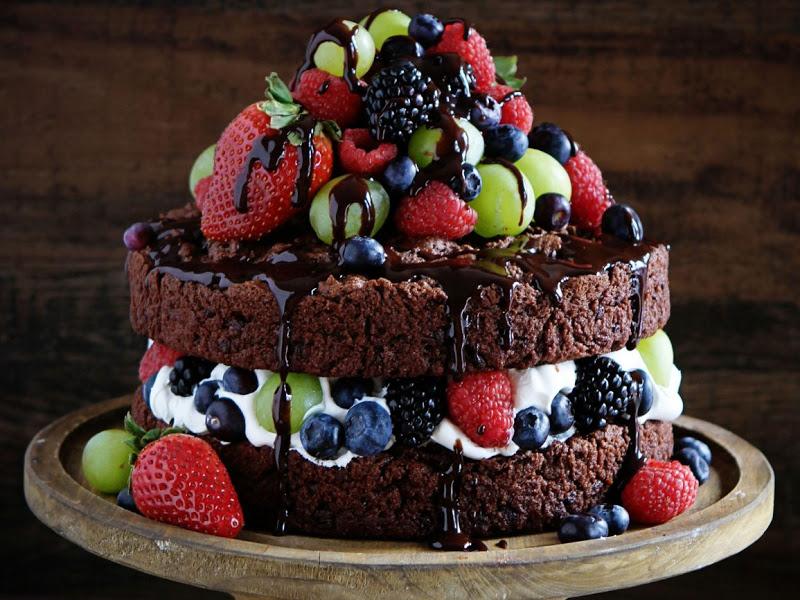Торт без выпечки с фруктами