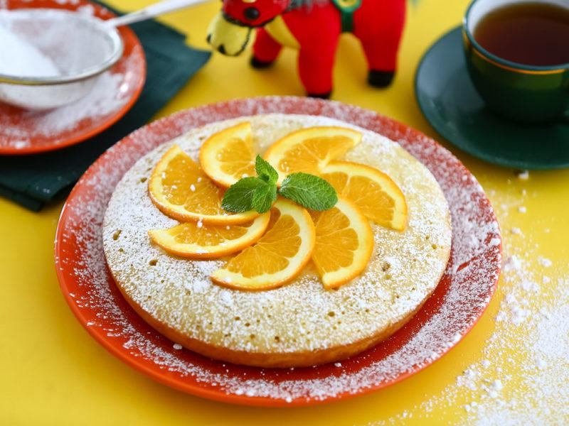 Яблочная шарлотка с апельсинами